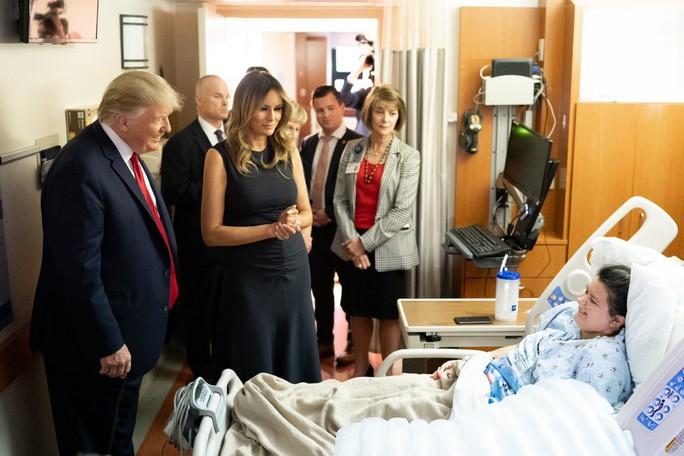 Ông Trump: Nhiều người lợi dụng vụ xả súng để tìm kiếm lợi ích chính trị - Ảnh 2.