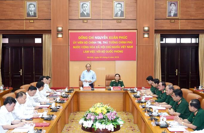 Thủ tướng làm việc với Bộ Quốc phòng về công tác quản lý, sử dụng đất quốc phòng - Ảnh 2.