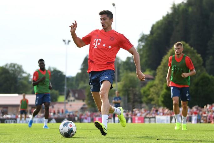 Bayern Munich hạ nhục đối thủ bằng chiến thắng với tỉ số 23-0 - Ảnh 1.