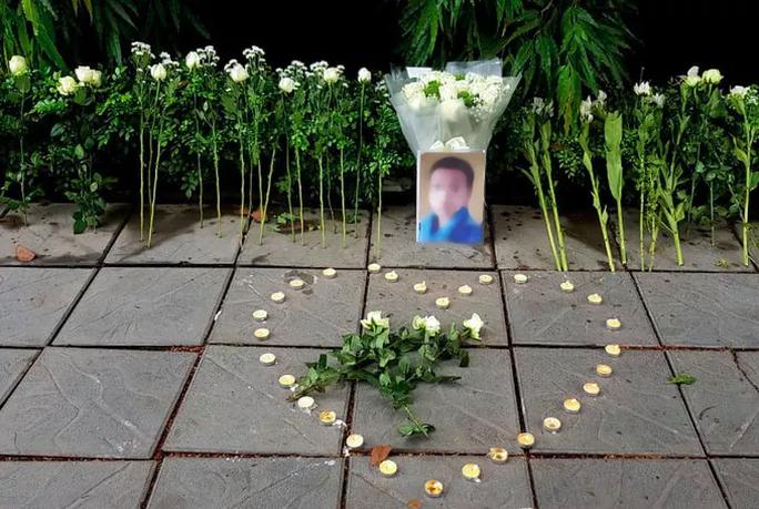 Trường Gateway đề nghị không tưởng niệm, đặt hoa trước cổng trường - Ảnh 1.