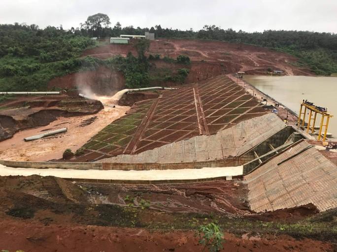 Nguy cơ vỡ đập thủy điện ở Đắk Nông: Lên phương án nổ mìn xả lũ - Ảnh 1.