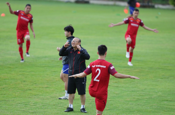 Tuyển Việt Nam tự tin tập luyện trong ngày thầy Park yêu cầu báo chí không để lộ bài - Ảnh 3.