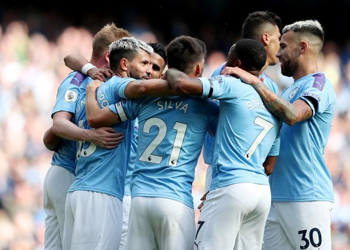 Man City soán ngôi... 2 giờ, Liverpool về đỉnh bảng ngoạn mục - Ảnh 1.