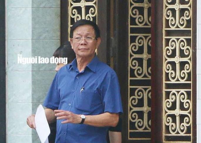 Đang thụ án 9 năm tù, cựu Trung tướng Phan Văn Vĩnh lại bị khởi tố - Ảnh 1.