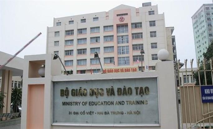 Bộ GD-ĐT huỷ quyết định xem xét kỷ luật 13 công chức liên quan đến gian lận thi cử - Ảnh 1.