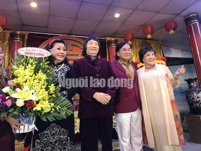 NSND Minh Vương tri ân đồng nghiệp trong ngày giỗ Tổ sân khấu - Ảnh 1.