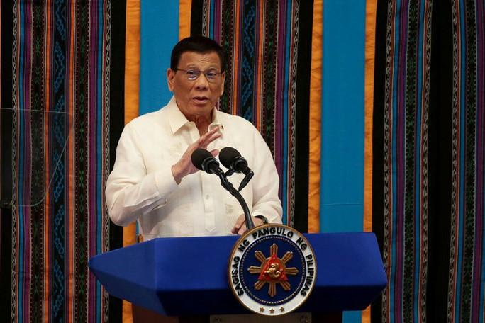 """Trung Quốc đề nghị Philippines """"phớt lờ phán quyết của tòa về biển Đông để lấy thỏa thuận khí đốt"""" - Ảnh 1."""