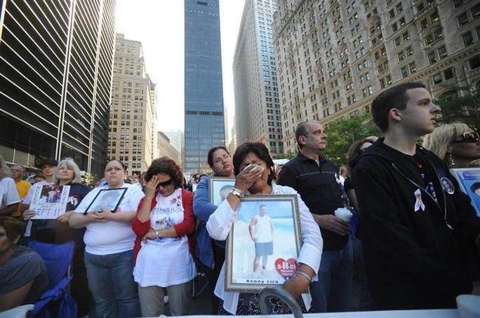 Mỹ tưởng niệm sự kiện 11-9 trong lo âu - Ảnh 1.