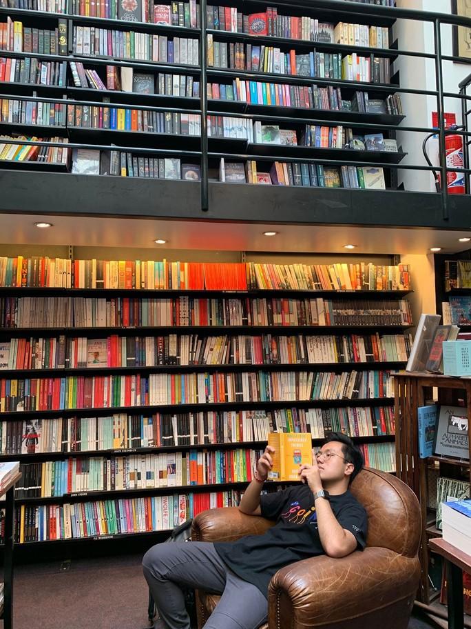 Hiệu sách ở Paris: Bảo tàng văn hóa sống động - Ảnh 3.