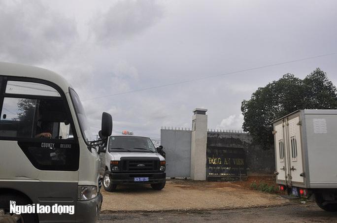 Bộ Công an xác nhận vụ đột kích xưởng sản xuất ma tuý cực lớn, tạm giữ 8 người Trung Quốc - Ảnh 2.