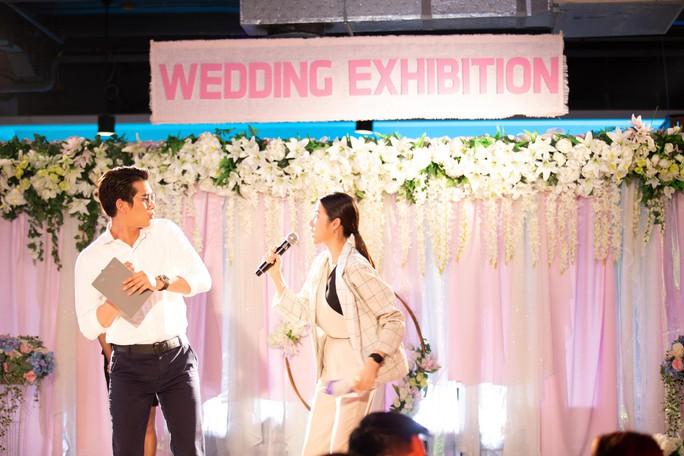 Jun Vũ đọ sắc cùng sao Thái Lan Esther Supreeleela - Ảnh 14.