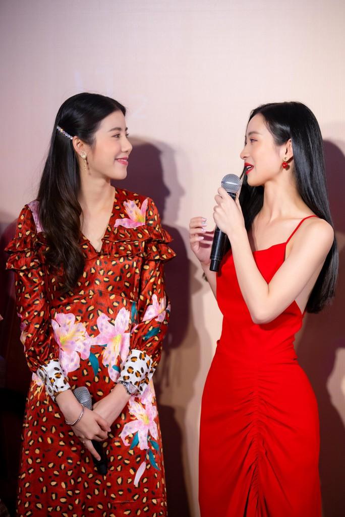 Jun Vũ đọ sắc cùng sao Thái Lan Esther Supreeleela - Ảnh 10.