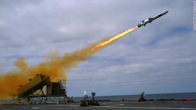 """Mỹ tung tên lửa mới có thể làm """"dậy sóng"""" biển Đông - Ảnh 1."""