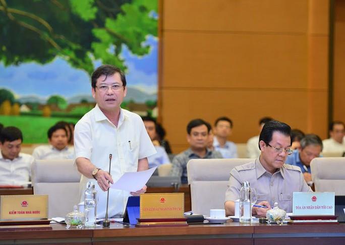 Gian lận điểm thi THPT ở Sơn La: Sẽ điều tra tội nhận hối lộ - Ảnh 1.