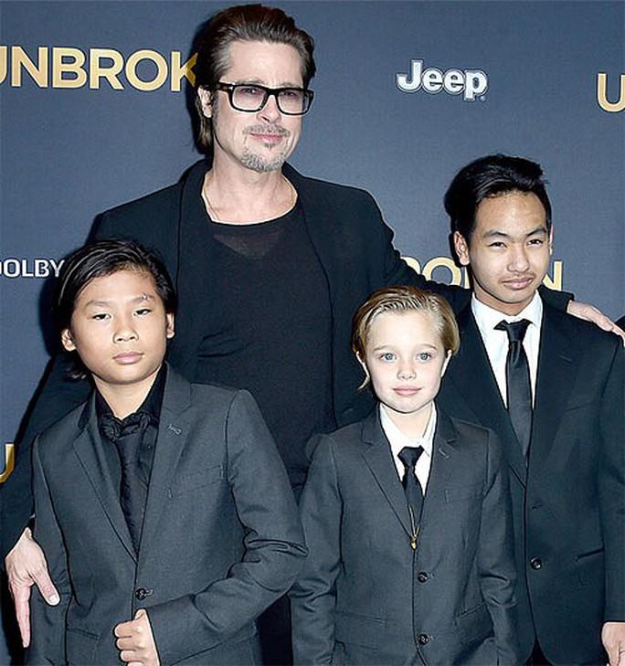 Con cả của Angelina Jolie - Brad Pitt lần đầu nói về cha nuôi - Ảnh 3.