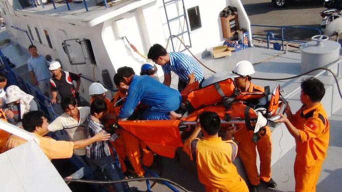Những chiến binh cứu nạn biển xa - Ảnh 1.
