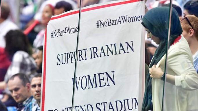 Nữ CĐV Iran tự thiêu vì quyền được xem bóng đá - Ảnh 4.