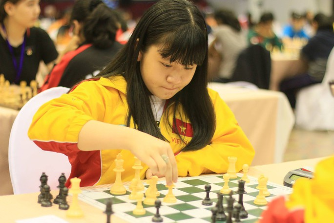 Kỳ thủ Nguyễn Thiên Ngân giành ngôi vô địch cờ vua trẻ thế giới - Ảnh 2.