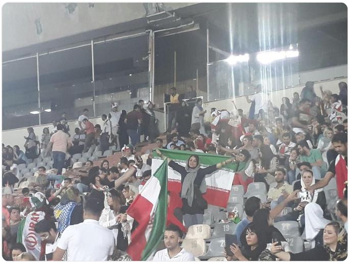 Nữ CĐV Iran tự thiêu vì quyền được xem bóng đá - Ảnh 3.