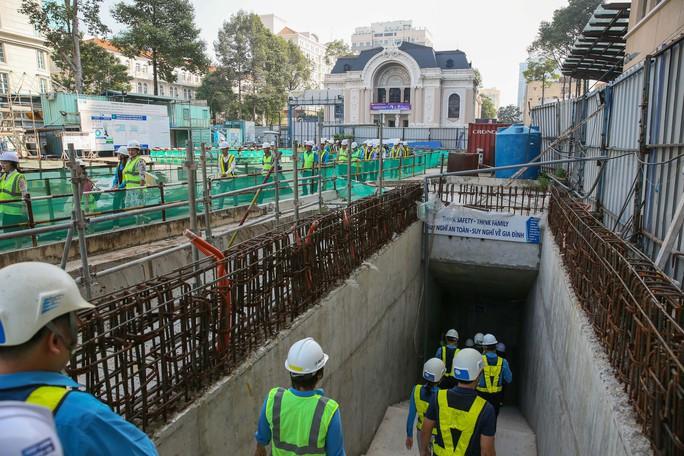 Diện mạo đường hầm Metro số 1 tại trung tâm TP HCM - Ảnh 1.