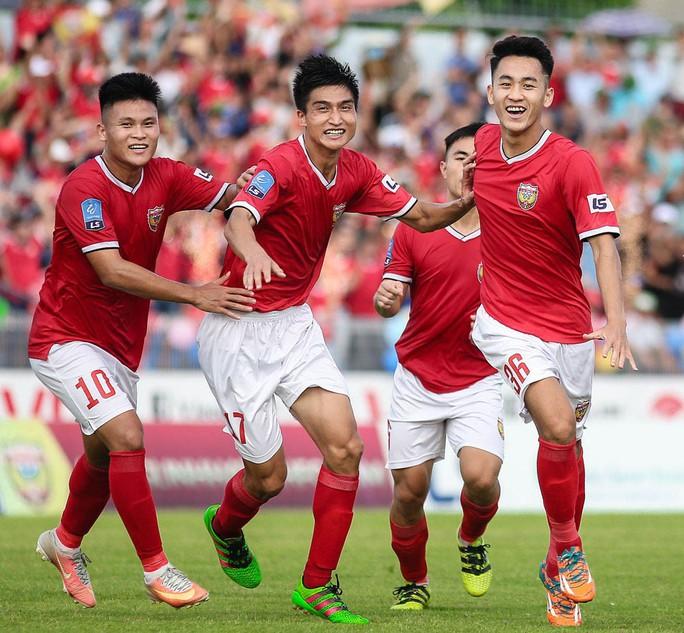 Xembongdahd đưa tin  Ông thầy cá tính của bóng đá Hà Tĩnh  Anh-bai-phu-trang-14-1568471961489566967478