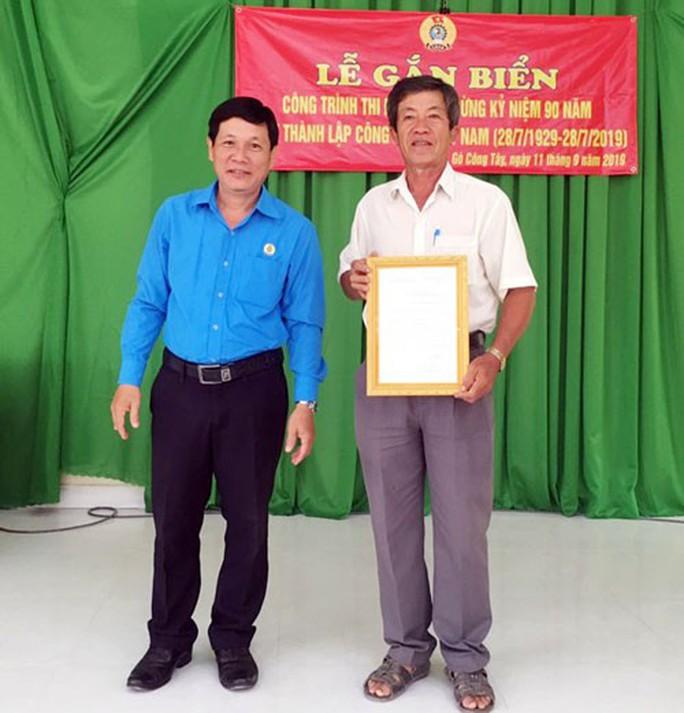 Tiền Giang: Gắn biển công trình kỷ niệm 90 năm Công đoàn Việt Nam - Ảnh 1.