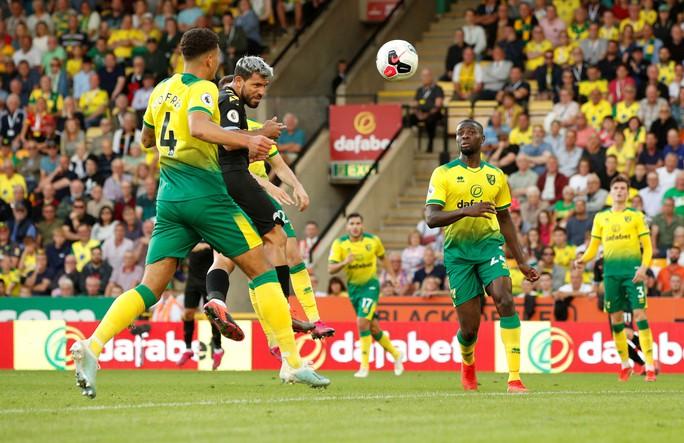 Man United thắng thót tim, Man City gục ngã trước tân binh Norwich - Ảnh 8.