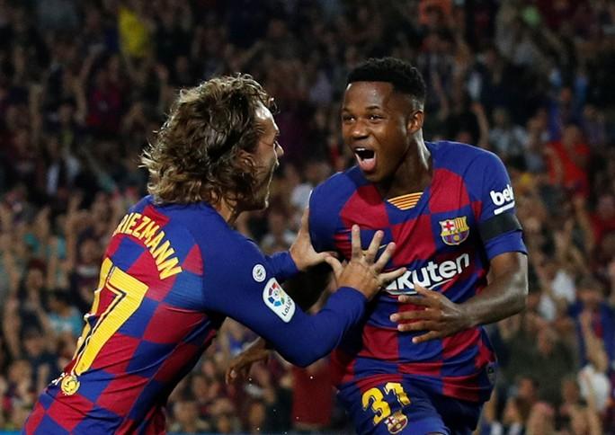 Dòng máu mới chảy tràn ở Barcelona - Ảnh 1.