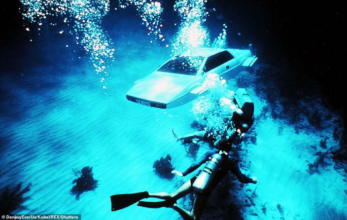 """Hải quân Anh thử nghiệm tàu ngầm của """"điệp viên 007"""" - Ảnh 6."""