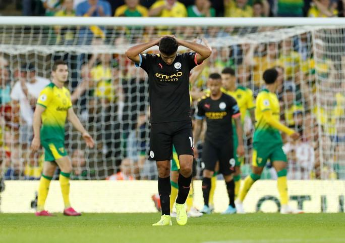 Man United thắng thót tim, Man City gục ngã trước tân binh Norwich - Ảnh 10.