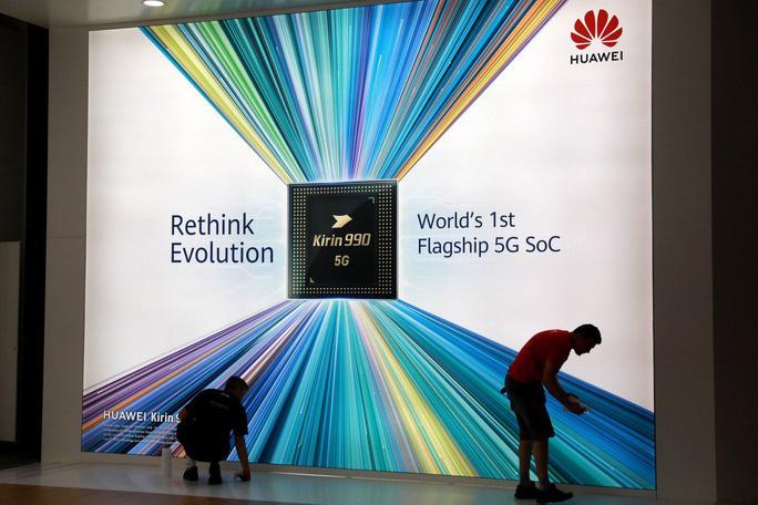 Công ty Mỹ thúc ông Trump dọn đường sớm cho Huawei - Ảnh 1.