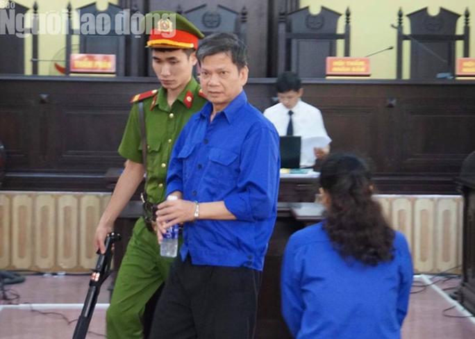 Hoãn phiên tòa xử 8 bị cáo vụ gian lận điểm thi Sơn La - Ảnh 5.