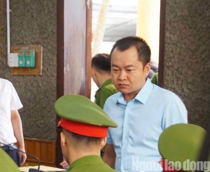 Hoãn phiên tòa xử 8 bị cáo vụ gian lận điểm thi Sơn La - Ảnh 10.