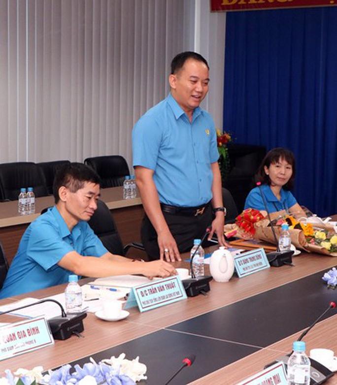 LĐLĐ tỉnh Bình Dương có Phó Chủ tịch mới - Ảnh 2.