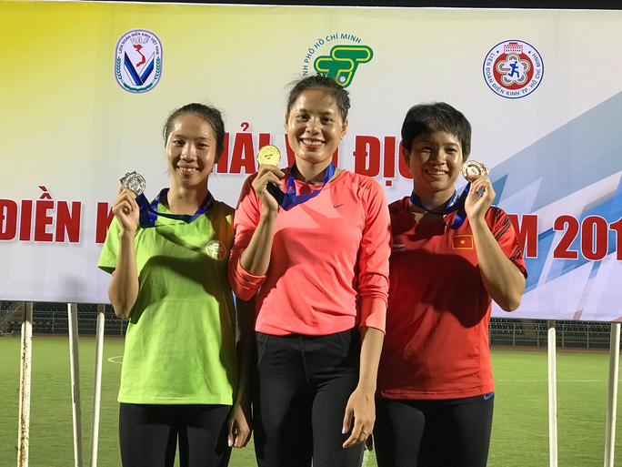 Bà mẹ trẻ Nguyễn Thị Huyền trở lại ngôi vô địch điền kinh quốc gia - Ảnh 2.