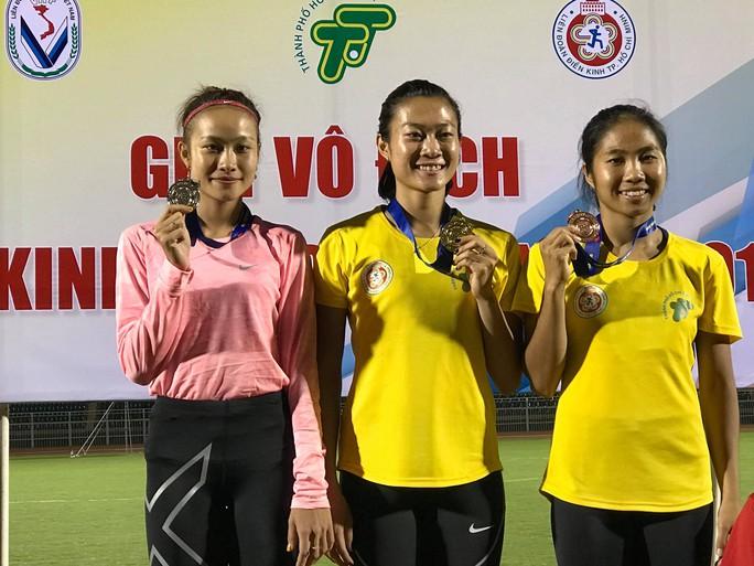 Bà mẹ trẻ Nguyễn Thị Huyền trở lại ngôi vô địch điền kinh quốc gia - Ảnh 4.