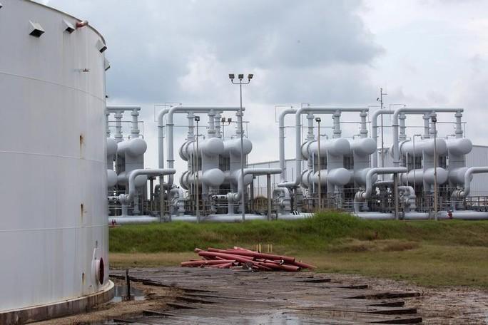 Ả Rập Saudi bị tấn công, nguồn cung dầu toàn cầu chịu tác động ra sao? - Ảnh 2.