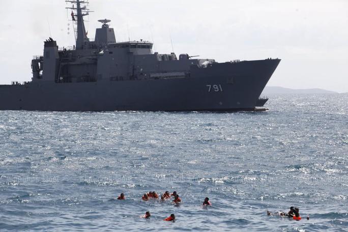 Thái Lan mua tàu Trung Quốc; tàu đổ bộ Trung Quốc bị phát hiện gần vùng biển Ấn Độ - Ảnh 1.