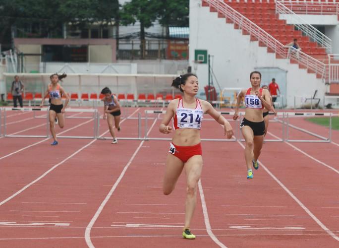 Nguyễn Thành Ngưng và 10 năm đi bộ đến ngôi vô địch quốc gia - Ảnh 2.