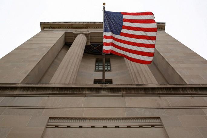 Mỹ bắt 1 người Trung Quốc vì âm mưu gian lận thị thực - Ảnh 1.