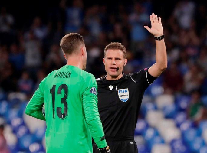 ĐKVĐ Liverpool thua Napoli, HLV Klopp trách tội VAR - Ảnh 2.