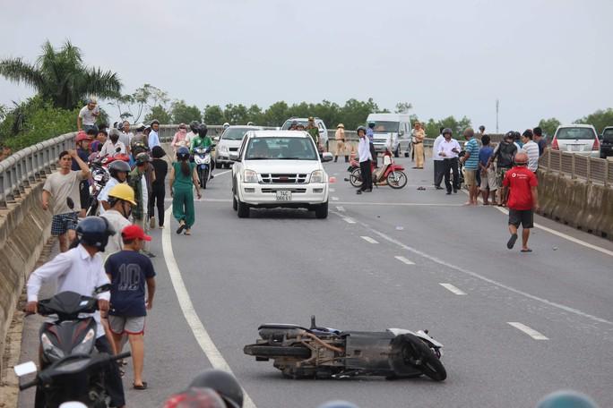 Hai vụ tai nạn xảy ra cùng một giờ khiến 2 người chết, 1 người bị thương - Ảnh 1.