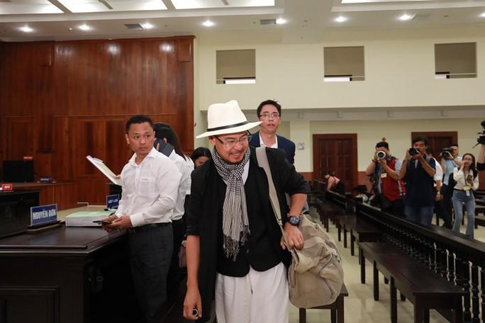 Hoãn phiên xử phúc thẩm vụ ly hôn của vua cà phê Trung Nguyên - Ảnh 3.