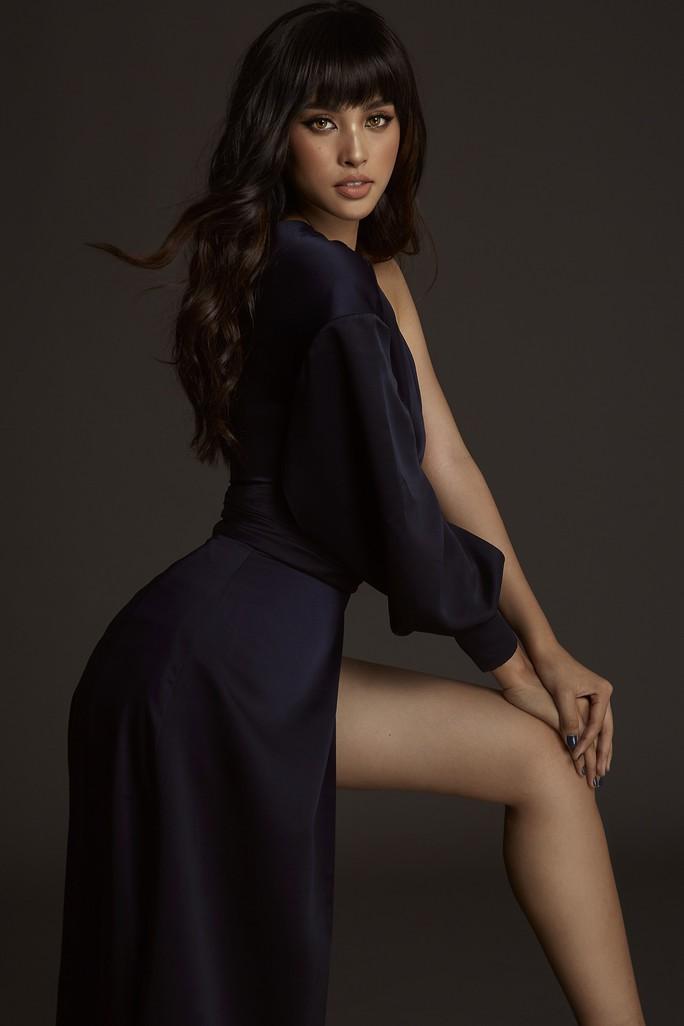 Nhận không ra Hoa hậu Trần Tiểu Vy ngây thơ ngày nào - Ảnh 9.