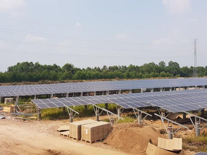 Bộ Công Thương đề xuất phương án mới, mua điện mặt trời mái nhà giá 2.156 đồng/kWh - Ảnh 1.
