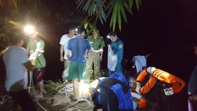 Bình Thuận: Vào rừng sâu dã ngoại, 2 người chết, mất tích  - Ảnh 1.