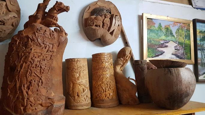 Thổi hồn vào vỏ dừa khô, bán 1,2 triệu đồng/cái - Ảnh 9.