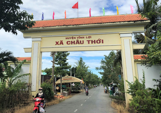 Hàng ngàn người dân Bạc Liêu đến dự ngày giỗ Bác Hồ - Ảnh 1.