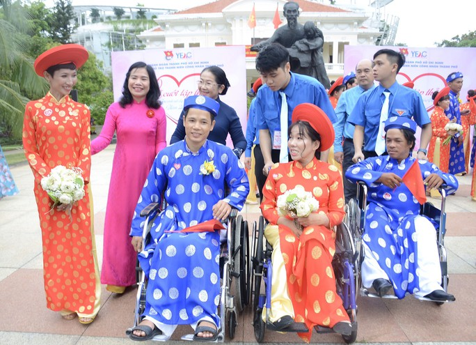Ấm áp lễ cưới tập thể của 100 đôi công nhân trong Ngày Quốc Khánh - Ảnh 5.