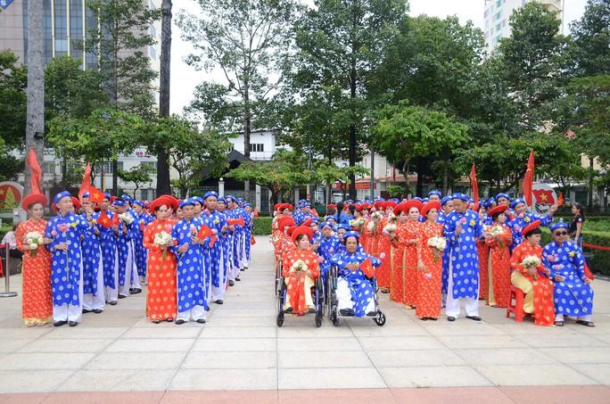 Ấm áp lễ cưới tập thể của 100 đôi công nhân trong Ngày Quốc Khánh - Ảnh 8.